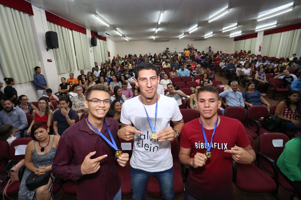 Alunos e professores de quatro escolas da rede estadual são premiados na Fecit 2019