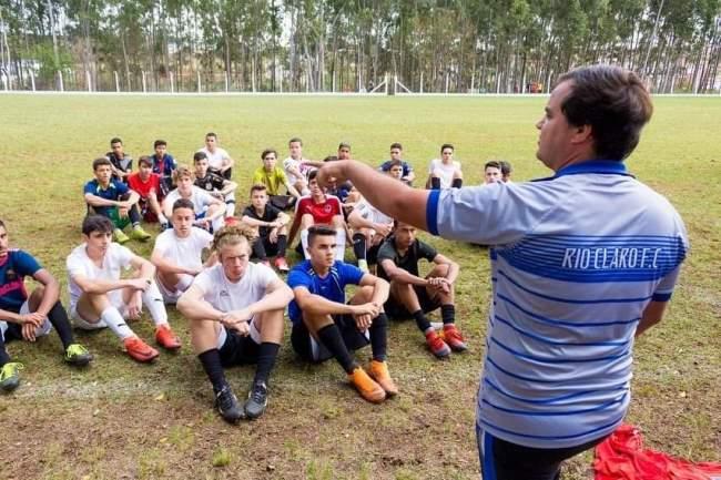 Mais de 300 adolescentes participam de avaliação técnica para a base do Rio Claro