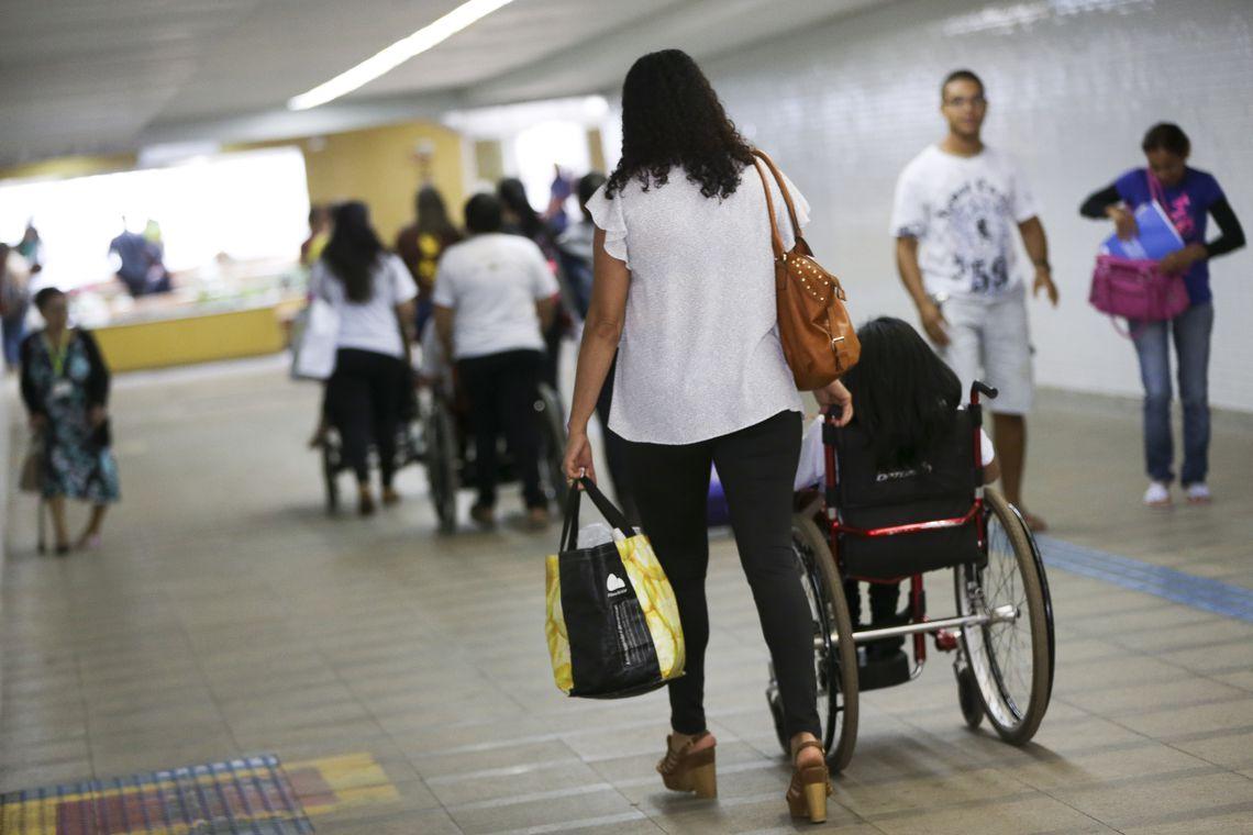 Avança no Senado liberação do BPC a mais de um deficiente na família