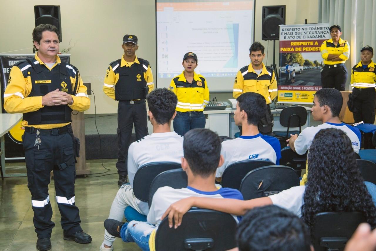 """Alunos do CEM Aryzinho recebem palestra e projeto itinerante """"Galera do DNIT"""" durante Semana do Trânsito em Gurupi"""