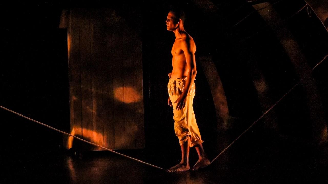 Apresentação do espetáculo 'Tumbeiros' e bate-papo com profissionais marcam abertura da Mostra de Dança da Cidade de Palmas