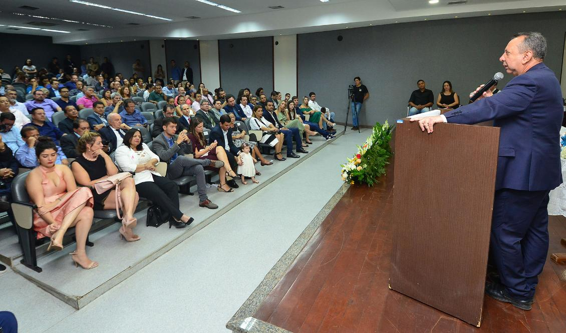 Missa celebra aniversariantes da Assembleia e do presidente Antônio Andrade