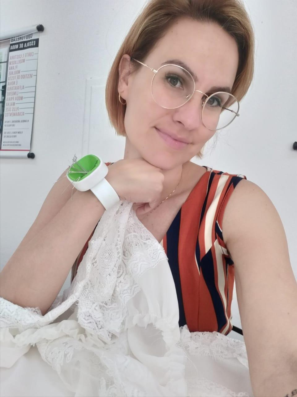 Estilista Carolina Dela Pace participa de um curso e realiza entrevista para Lucimara Parisi em São Paulo