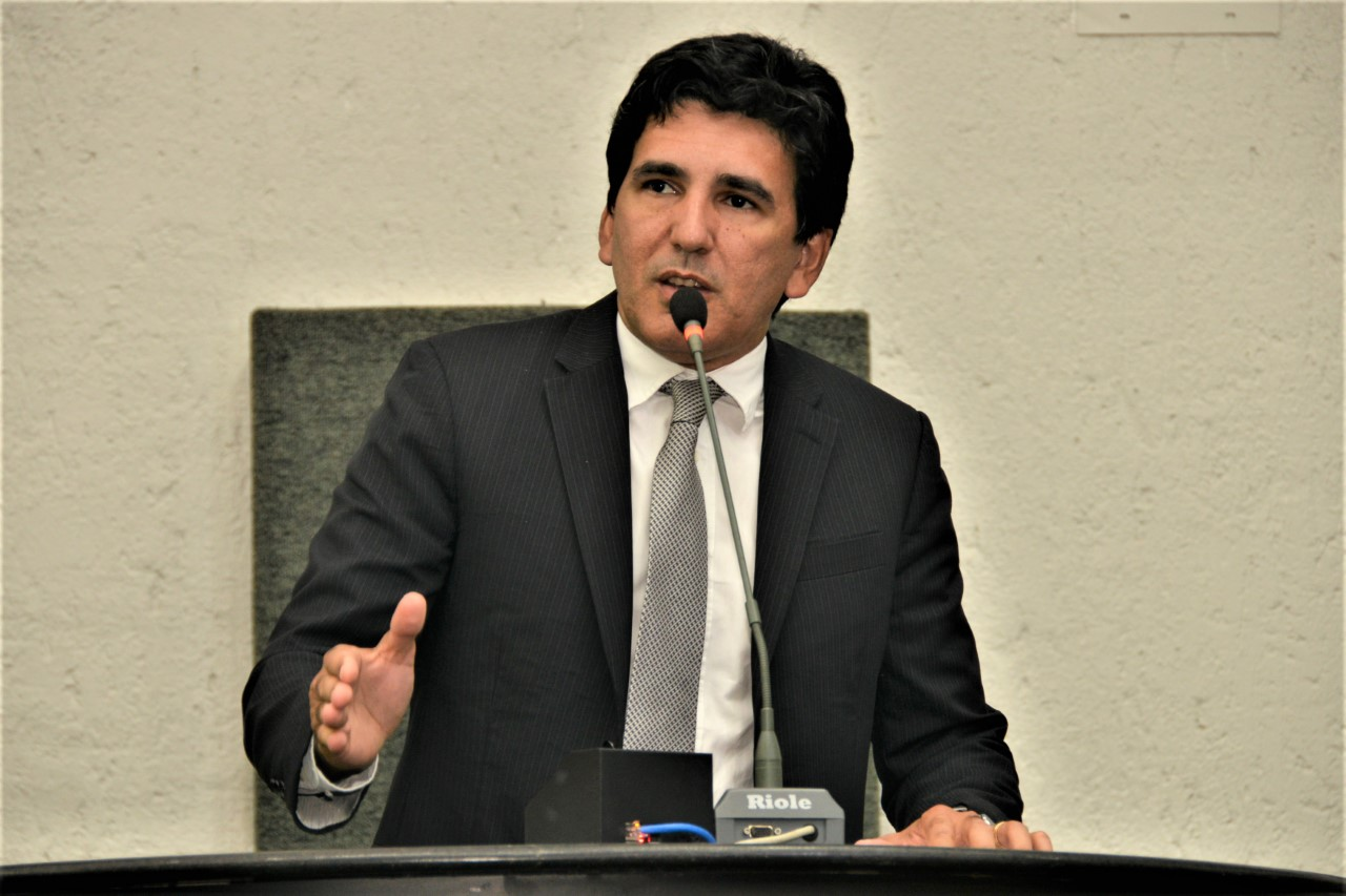 Prof. Júnior Geo destaca importância da valorização do professor e de sua relevância na formação do cidadão