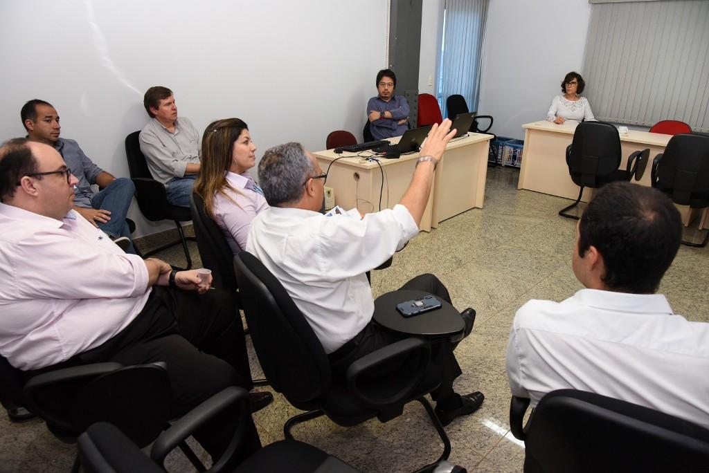 MPTO realiza audiência administrativa para discutir instalação de rede de alta tensão nas proximidades de quadra residencial em Palmas
