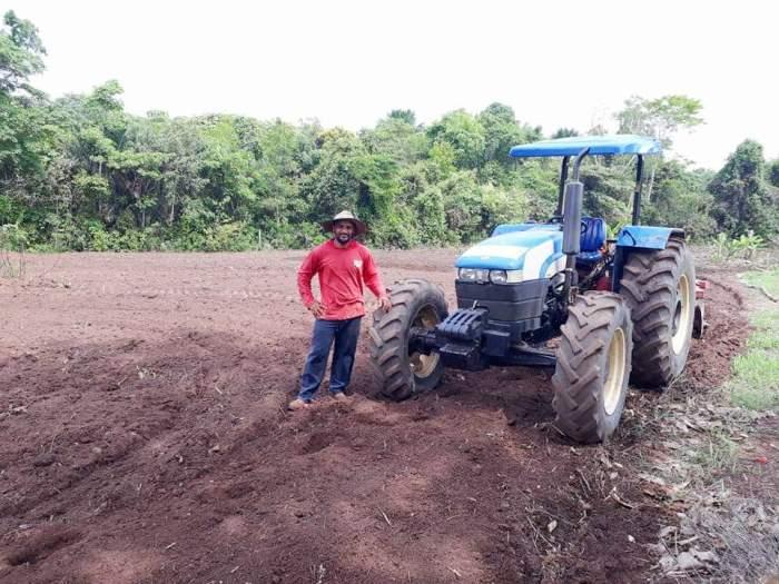 Prefeitura de Fátima presta assistência a produtores rurais do município
