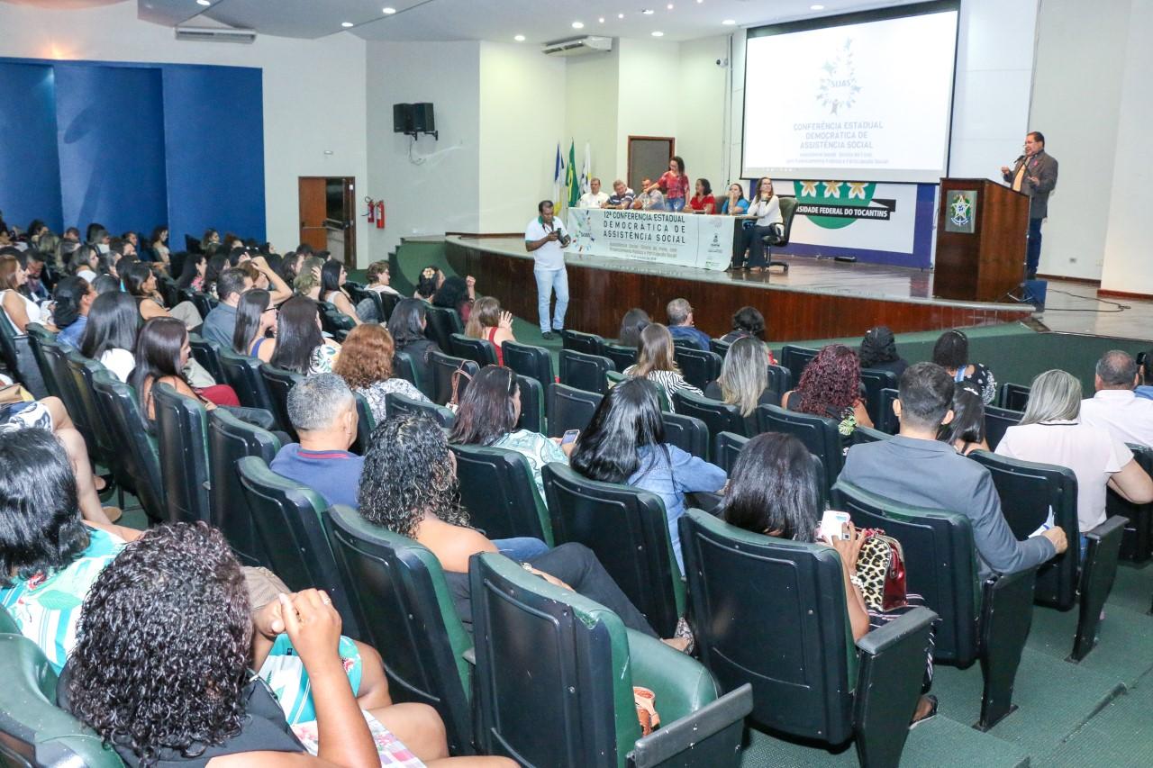 Governo, por meio da Setas, participa da abertura da 12ª Conferência Estadual Democrática Popular de Assistência Social, em Palmas