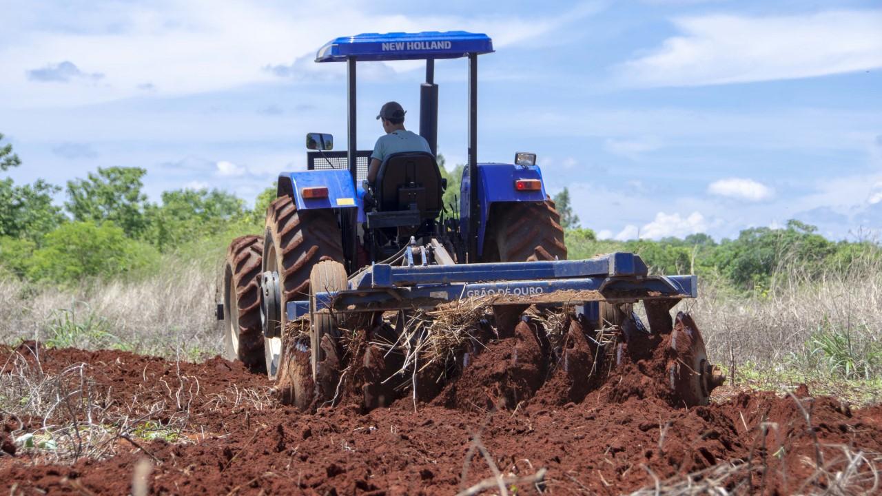 Seder elabora novos projetos produtivos e finaliza preparação do solo para agricultores da capital