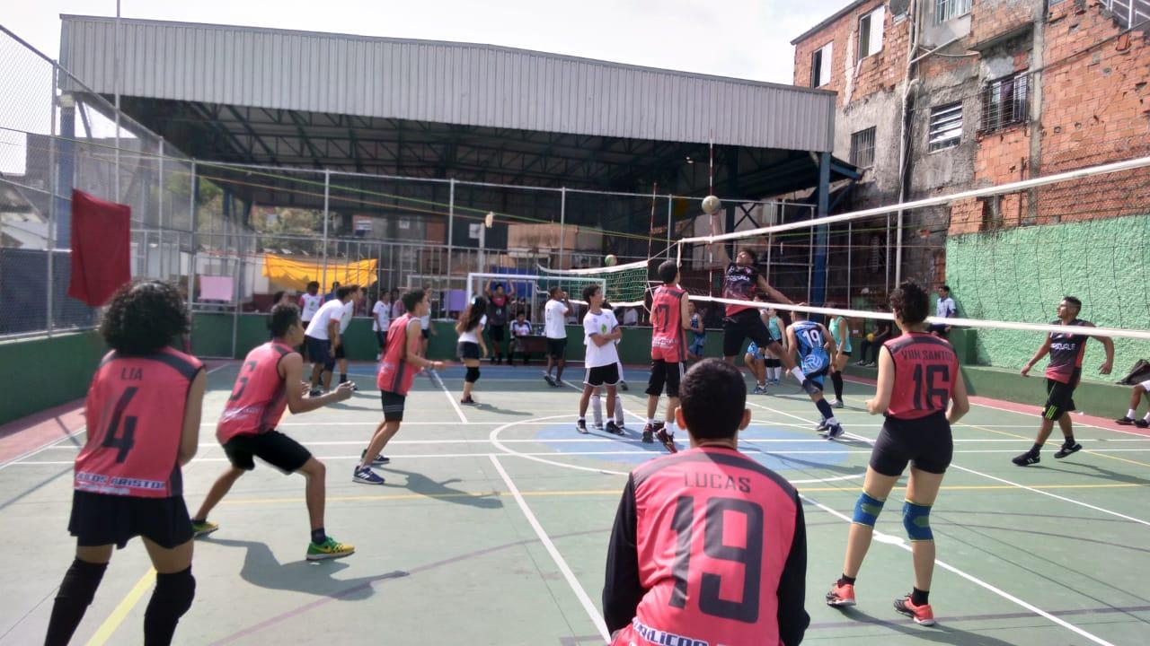 Brincadeiras tradicionais e vôlei: Rede de Núcleos, do IEE, promove eventos em SP e Pindamonhangaba
