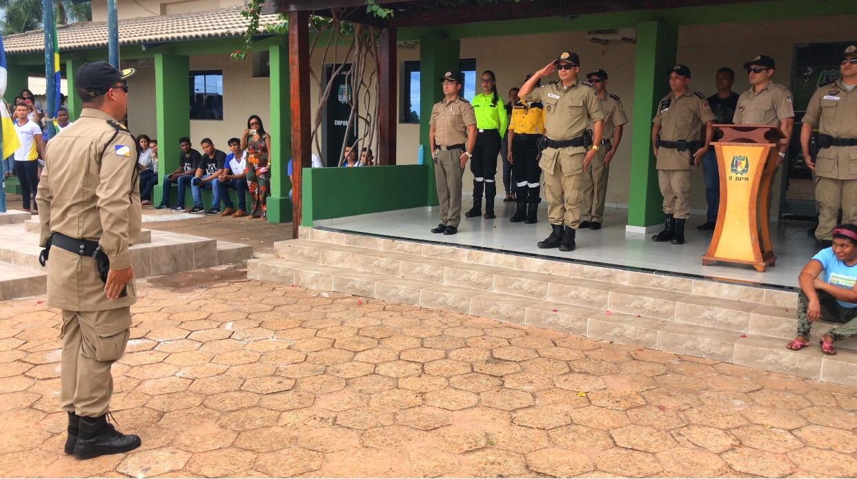 Polícia Militar realiza cerimônia em alusão ao Dia da Bandeira em Araguaína