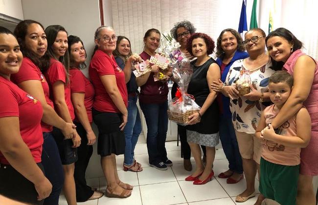 Secretária de Educação e Cultura de Paraíso recebe convite para participar do Piquenique do Senhor Alfabeto da Escola Municipal Bernardo Sayão