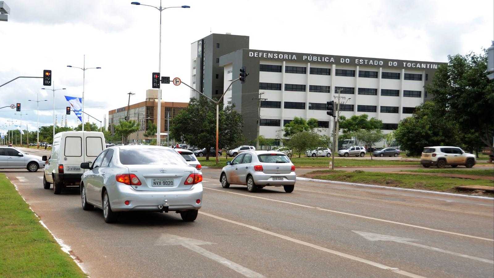 Defensora pública é suspeita de atender de graça servidora com salário de quase R$ 5 mil