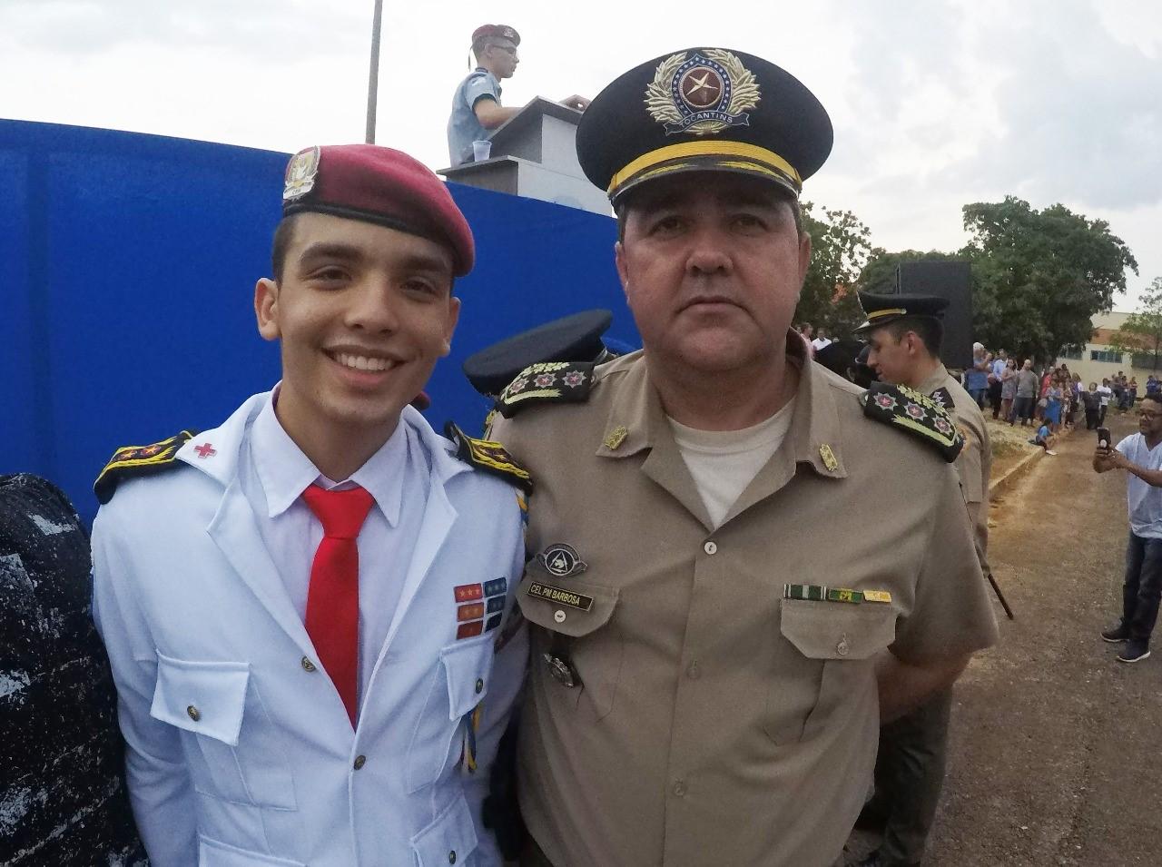 Centro Estadual de Ensino Cívico-Militar de Palmas (CCM) realiza solenidade de condecorações 2019 em Palmas