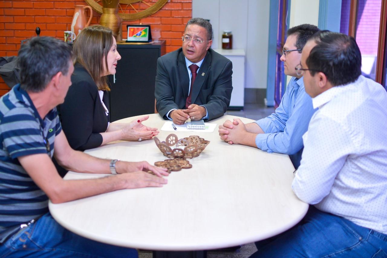 Presidente da Adetuc e prefeita de Guaraí discutem ações de turismo e cultura para a cidade