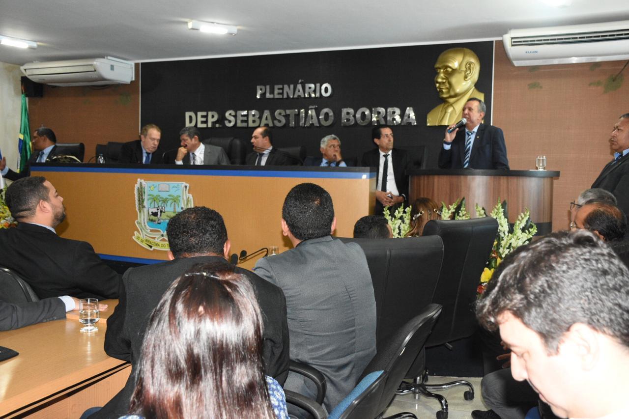 Antonio Andrade e deputados participam de solenidade que homenageia Miracema