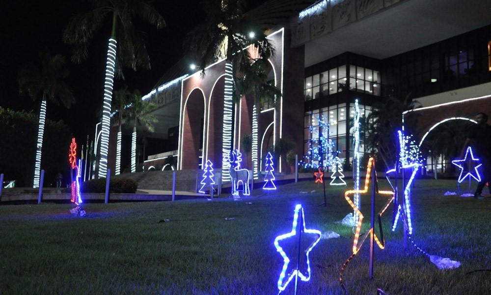Governador Mauro Carlesse inaugura decoração especial de Natal no Palácio Araguaia nesta quinta