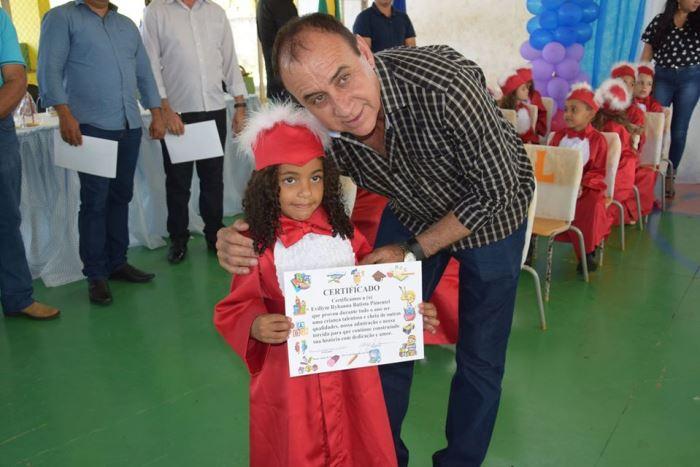 Educação Municipal de Monte Santo realiza formatura de alunos do 1° Ano