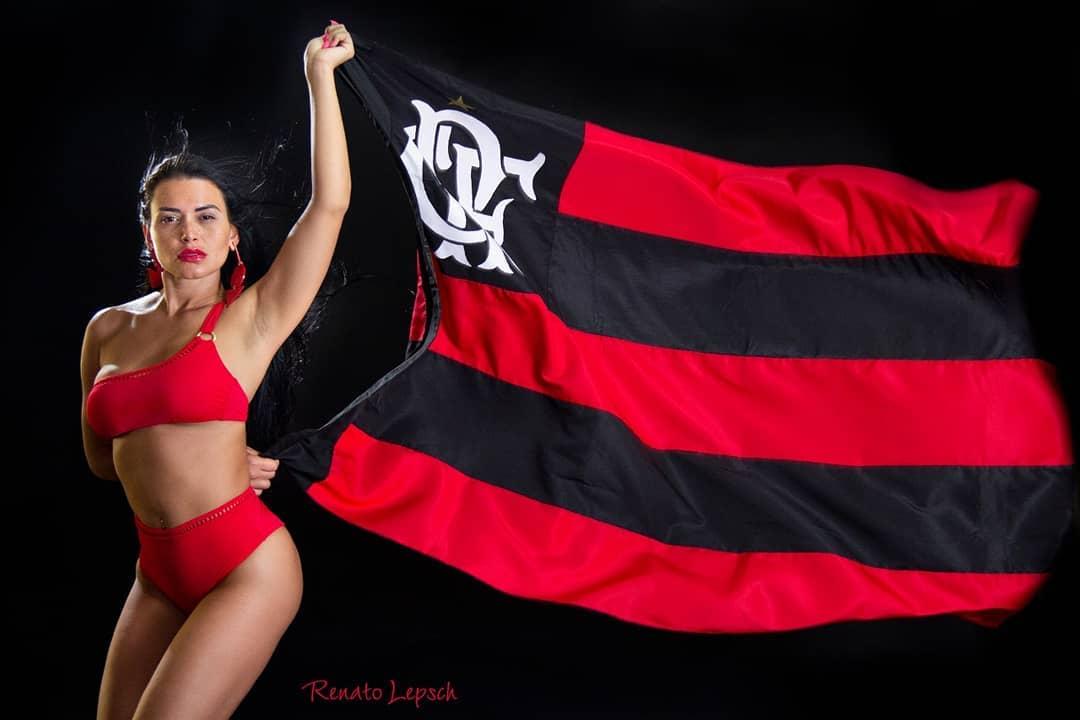 Musa do Flamengo faz sucesso nas gravações de programas da Rede TV