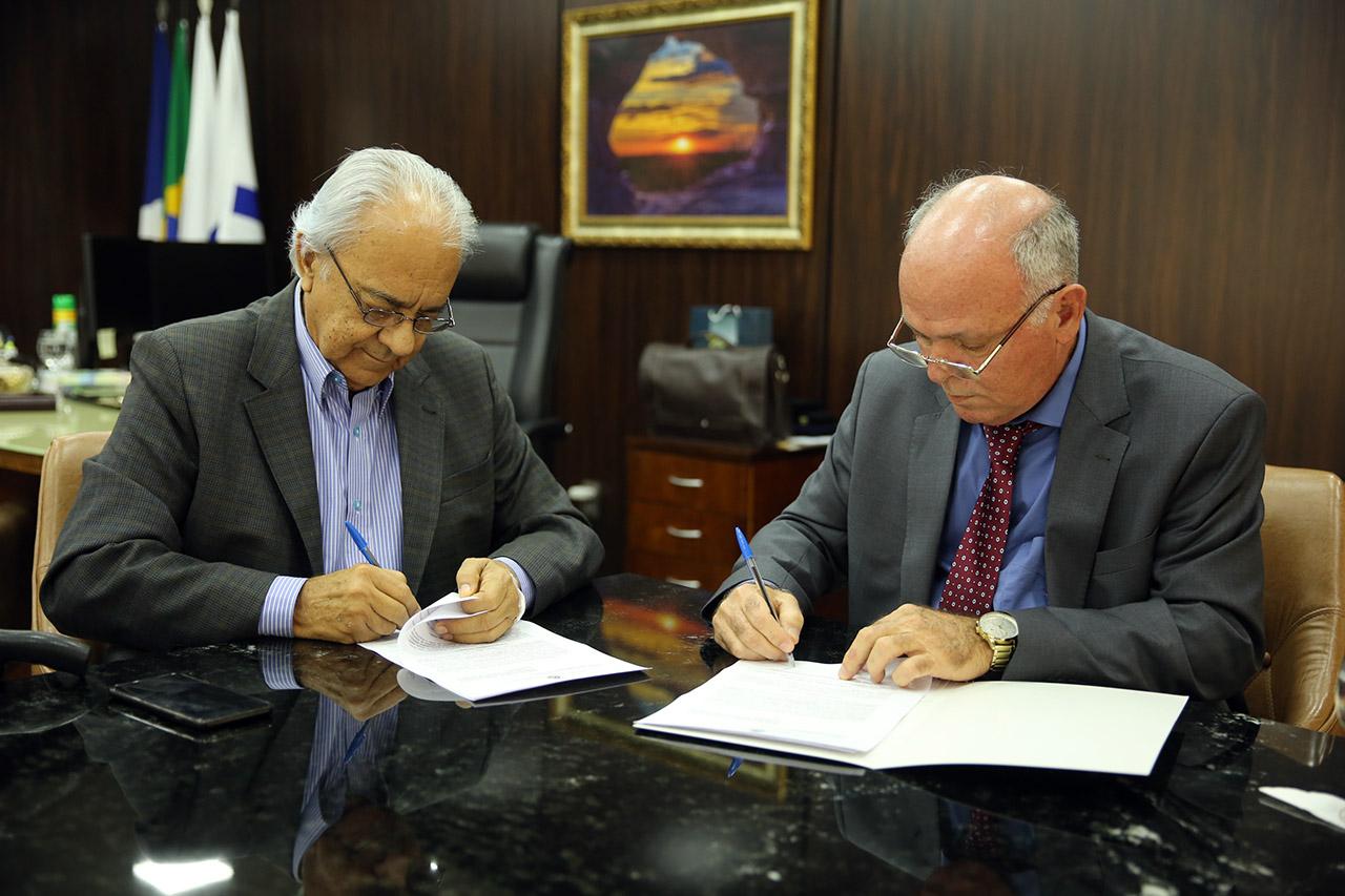 Prefeitura de Paraíso e Poder Judiciário assinam termo de cooperação para regularização fundiária