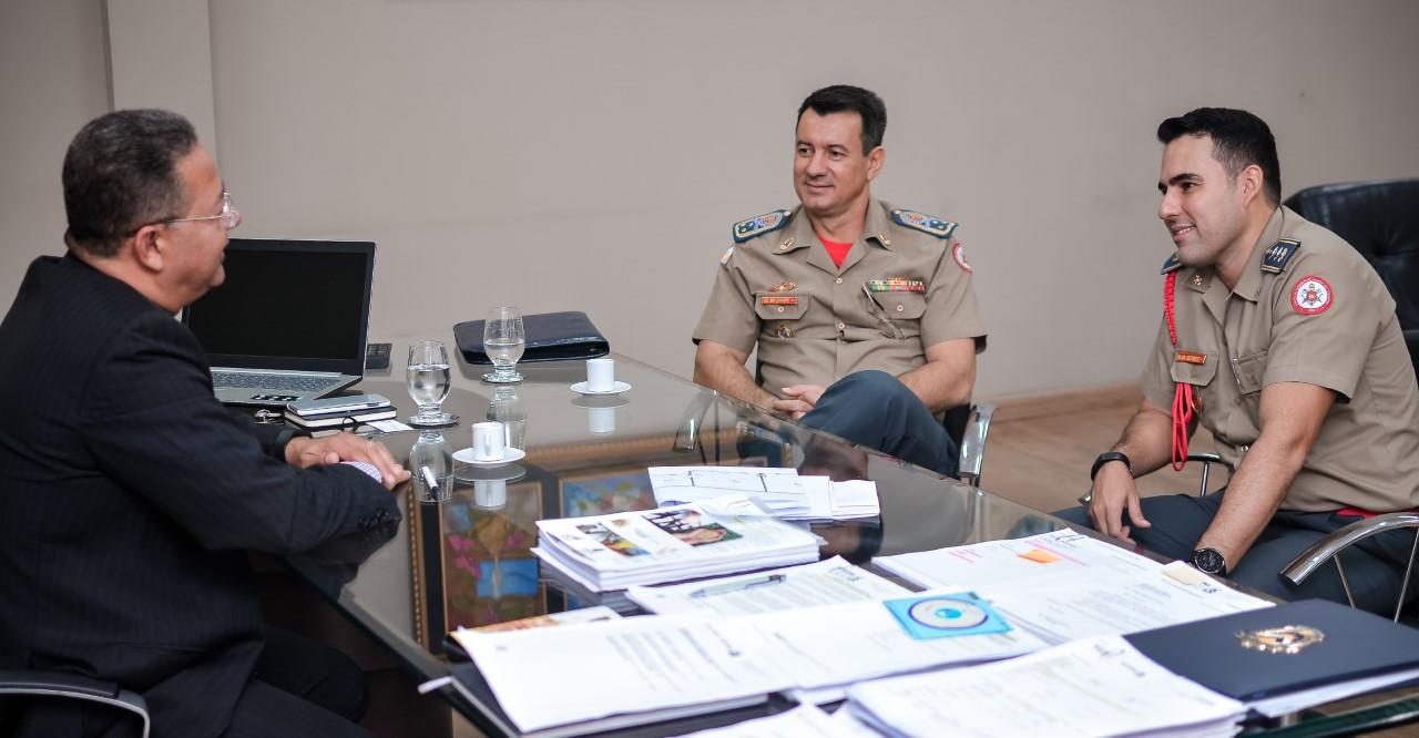 Bombeiros e Indústria e Comércio reafirmam trabalho em conjunto para promoção do desenvolvimento