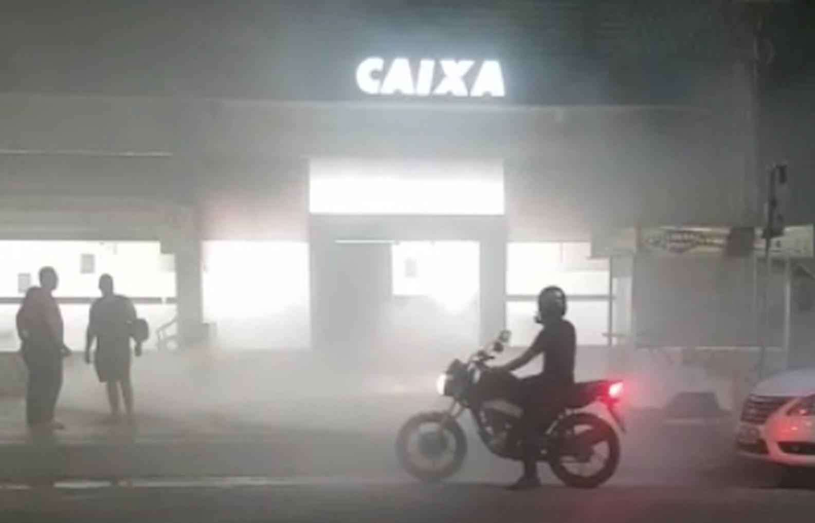 Fumaça em agência da Caixa assusta moradores em Taquaralto