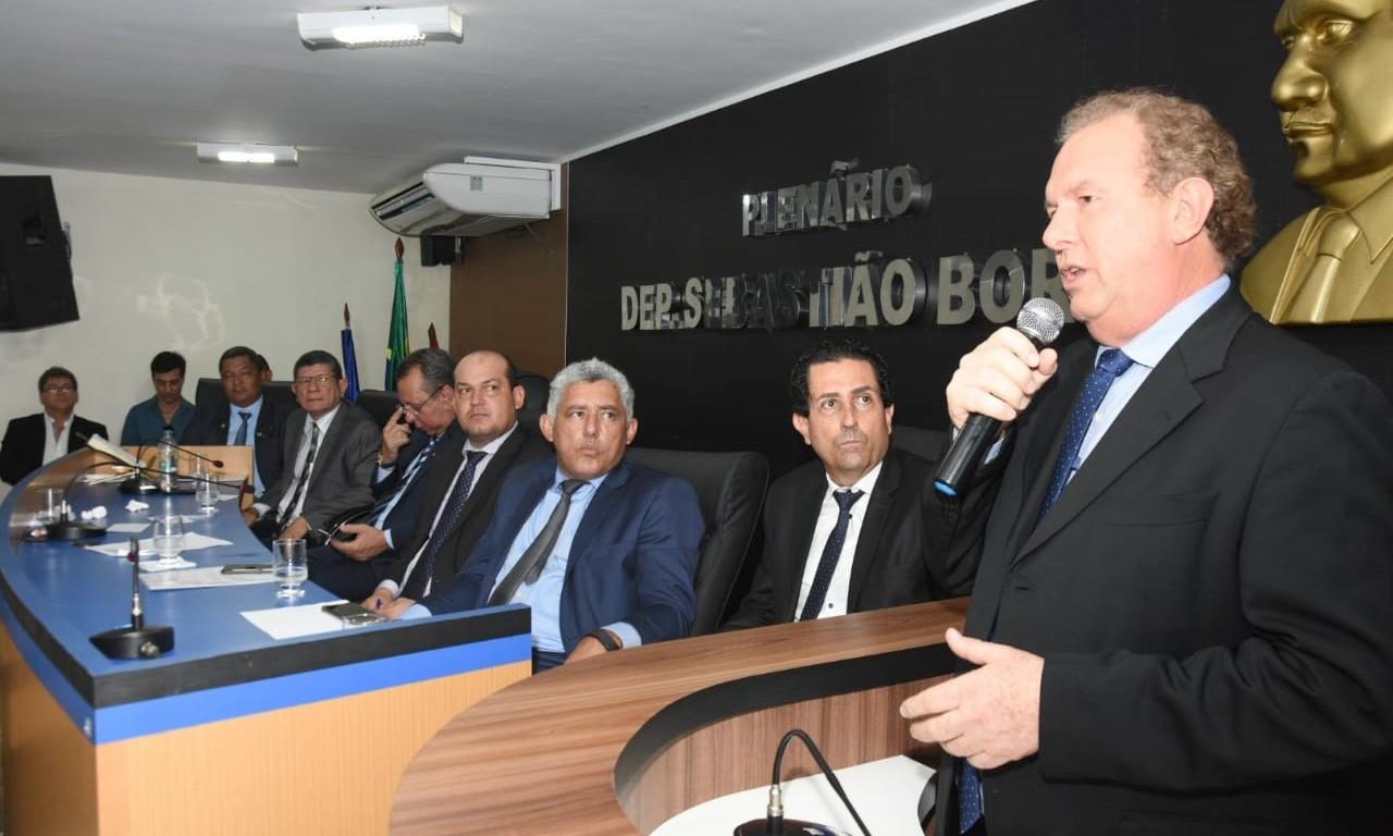 Governador Carlesse anuncia obras e implantação de escola cívico-militar em Miracema