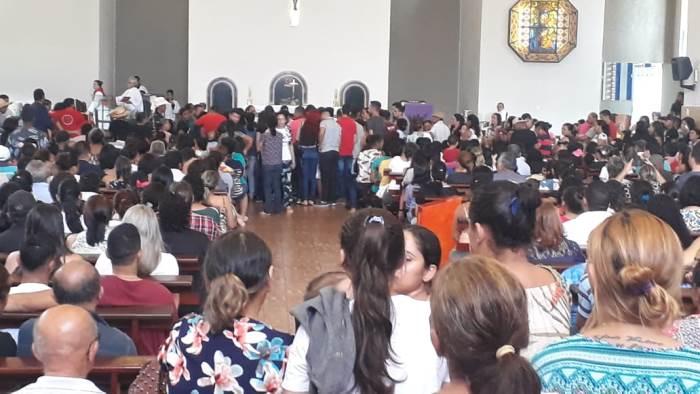 Velório de vítimas de acidente comove comunidade de Cristalândia