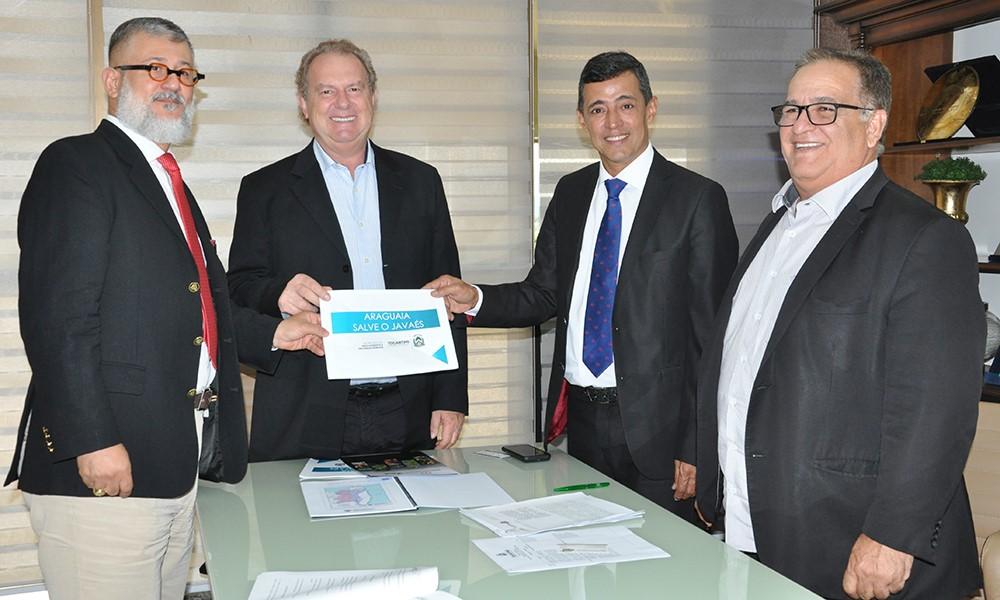 Governador Mauro Carlesse assina Acordo de Cooperação para recuperação do Rio Javáes