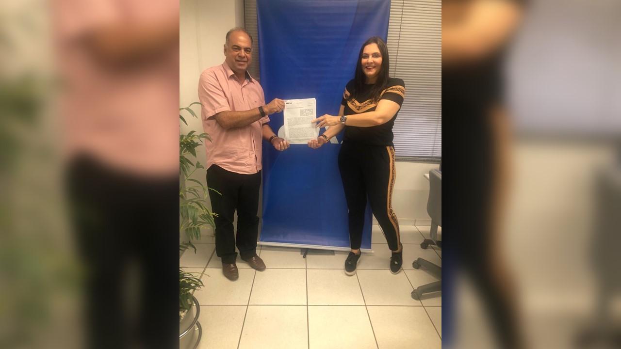 Prefeito Washington Vasconcelos assina convênio para pavimentação asfáltica em Fátima