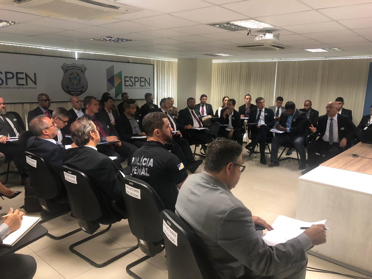 Secretário da Cidadania e Justiça participa de reunião em Brasília sobre criação da polícia penal