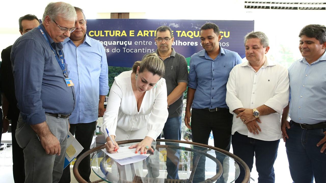 Prefeita de Palmas assina termo de contrato para construção do Centro de Cultura e Arte de Taquaruçu