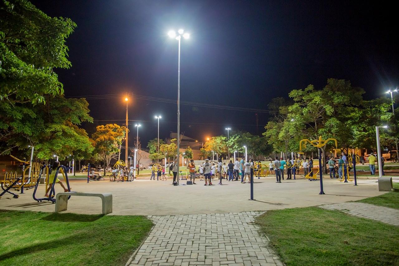 Prefeitura de Gurupi entrega à população iluminação de Led do Parque Mutuca II e Avenida Beira Rio