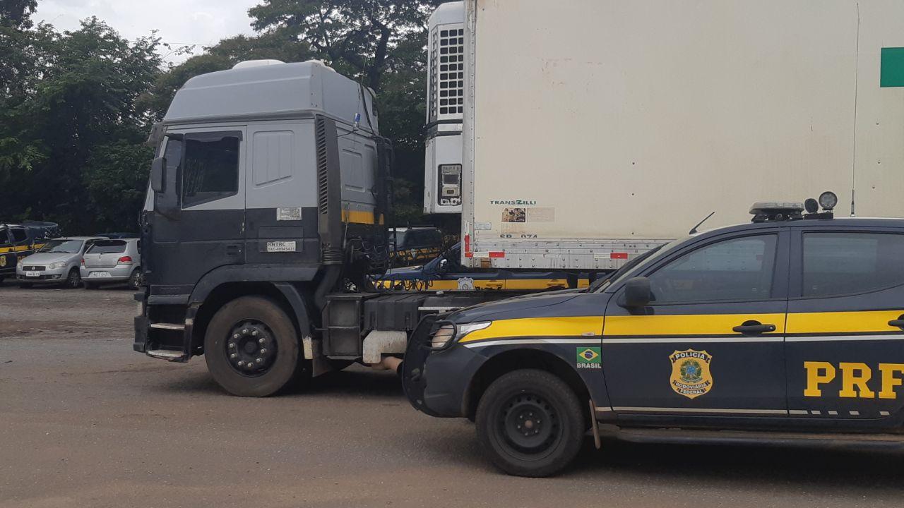 Adolescente é flagrado em Paraíso pela PRF dirigindo caminhão na BR-153