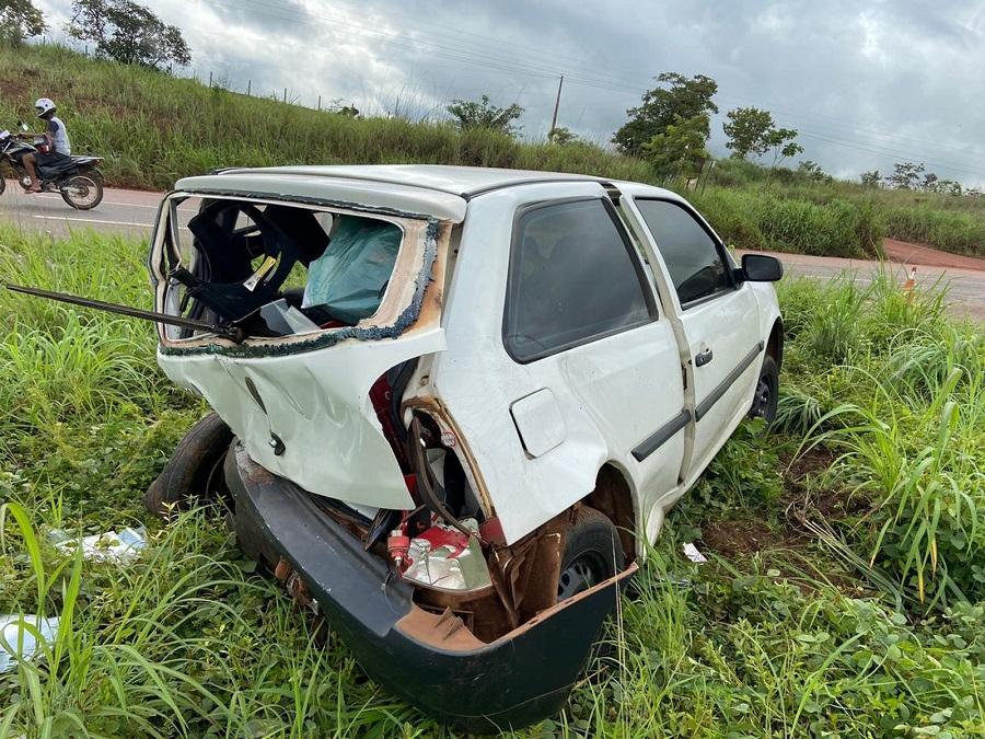 Motorista fica ferido após acidente entre dois carros na BR-010, em Palmas