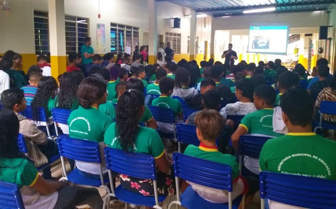 Procon em Gurupi destaca importância da educação financeira para o público infantil durante atividades em escolas