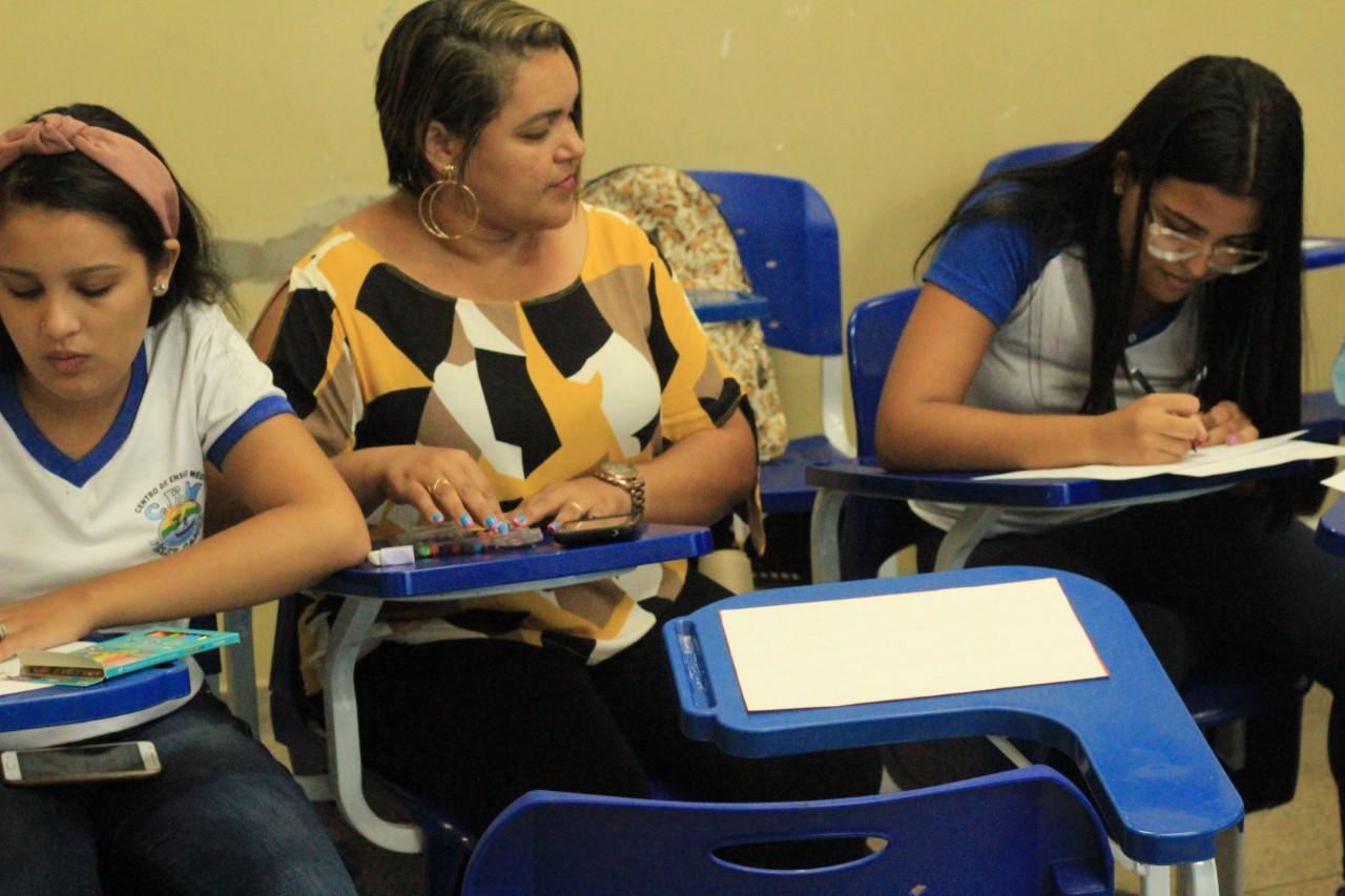 Papel da mulher na sociedade é tema de oficina para estudantes de Porto Nacional