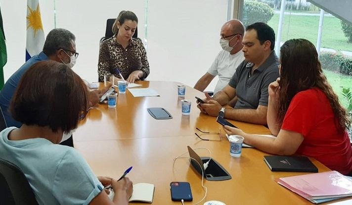 Prefeita de Palmas diz que a cada três dias reavaliará medidas tomadas para prevenir o novo coronavírus