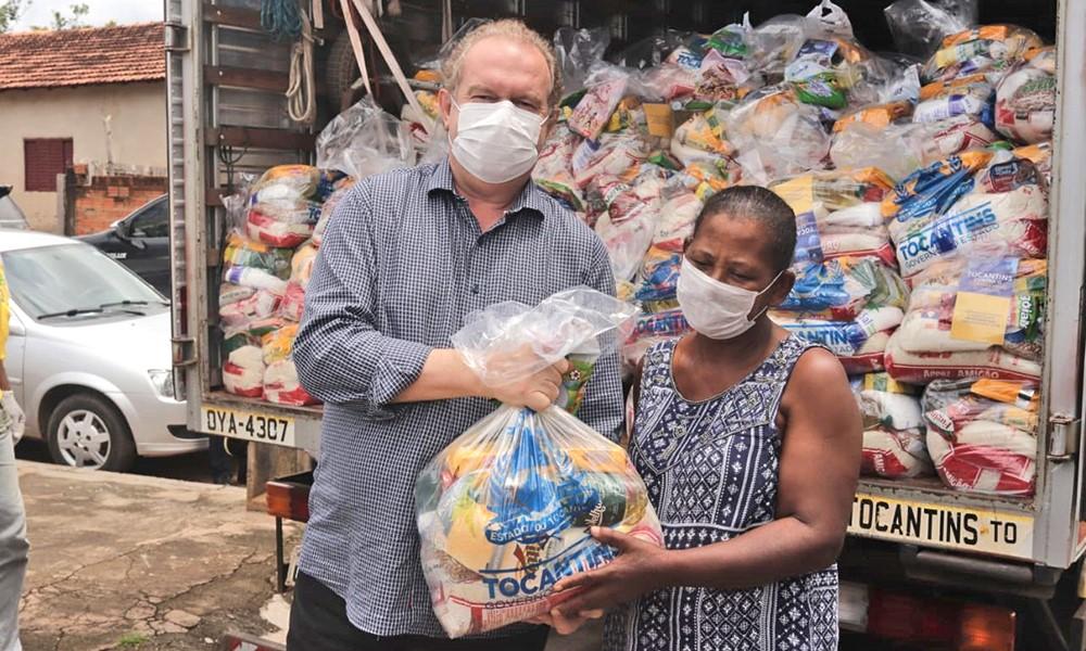 Semana do Governador Carlesse é marcada por entrega de kits de alimentos às famílias de estudantes e ação de combate à Covid-19
