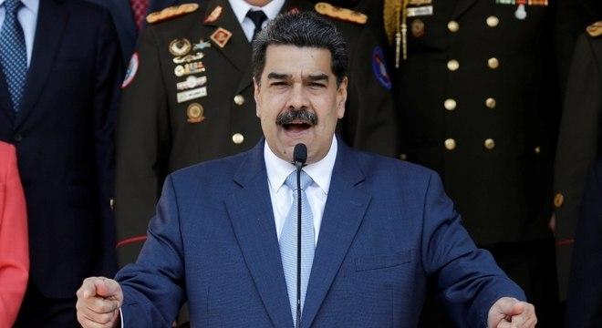 Estados Unidos oferecem US$ 15 milhões pela captura de Maduro