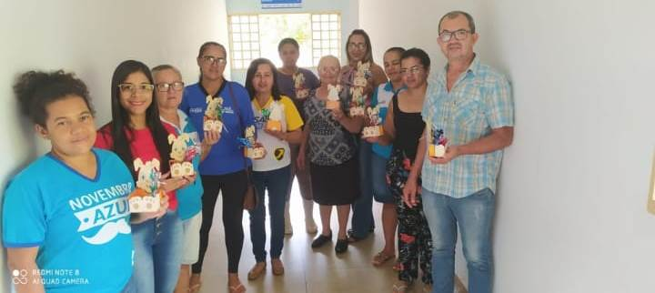 Professora de Marianópolis presenteia profissionais da UBS com ovos de páscoa