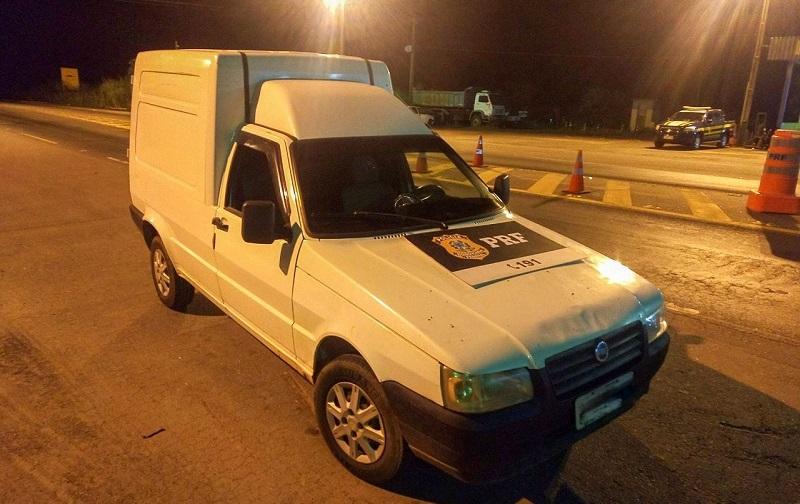 Veículo furtado em Palmas é recuperado pela PRF em Araguaína
