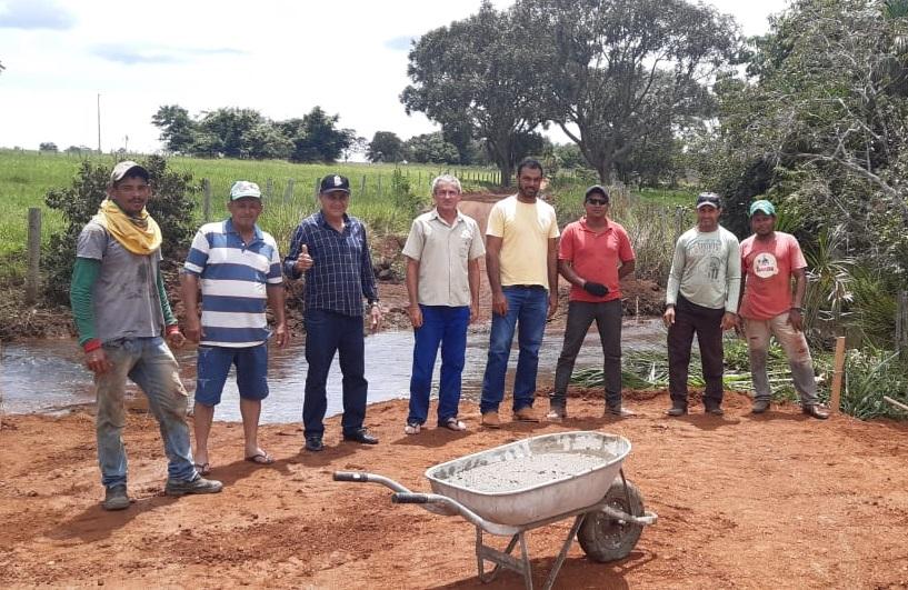 Prefeito Cléo investe na construção de novo bueiro na zona rural de Monte Santo