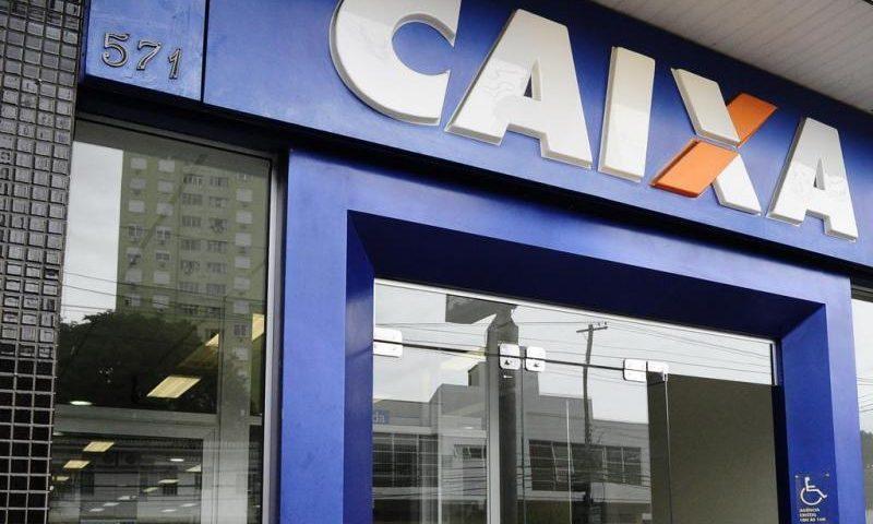 Caixa pagou R$ 65,5 bilhões em auxílio emergencial; 42,2 milhões foram considerados inelegíveis