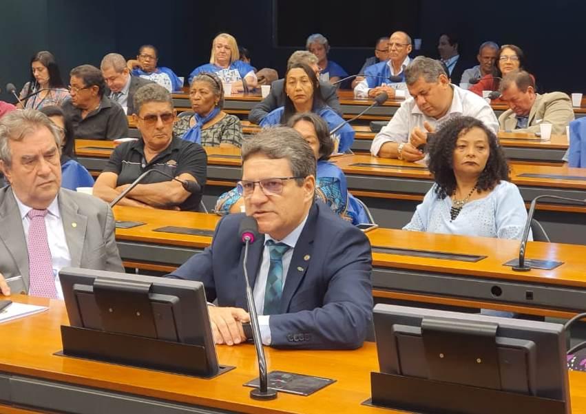 Damaso garante pagamento de R$ 8 milhões para 35 cidades do TO