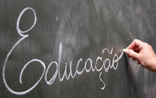 MEC aprova aulas aos sábados e nas férias depois da pandemia de coronavírus