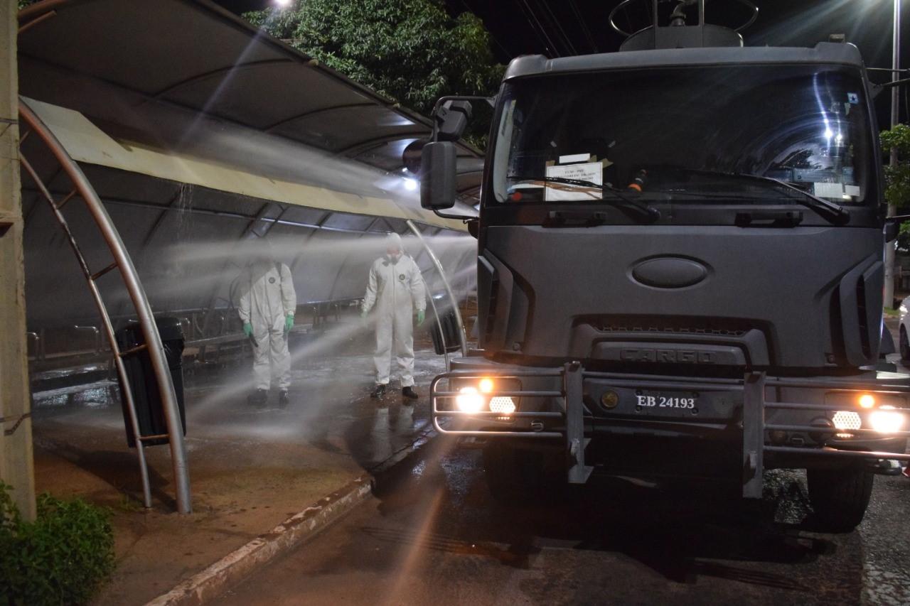22º Batalhão de Infantaria realizou desinfecção de três estações de ônibus de Palmas TO