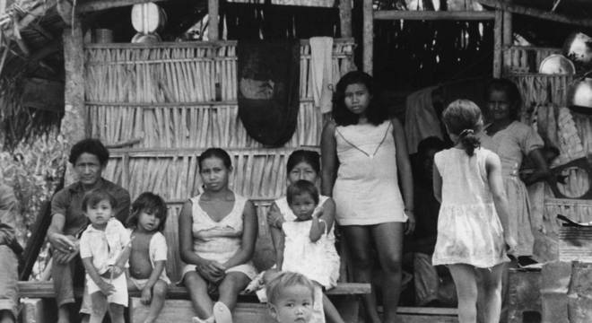 Projeto de lei prevê salário mínimo para famílias indígenas