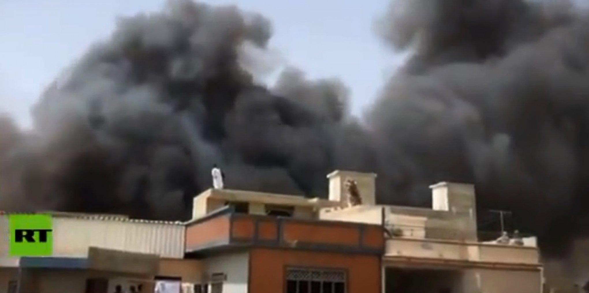 Avião com mais de 100 pessoas a bordo cai em bairro residencial, ao Sul do Paquistão