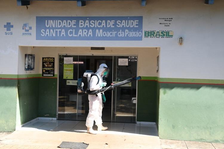 UBS do Setor Santa Clara em Paraíso recebe ação de desinfecção por militares do Corpo de Bombeiros