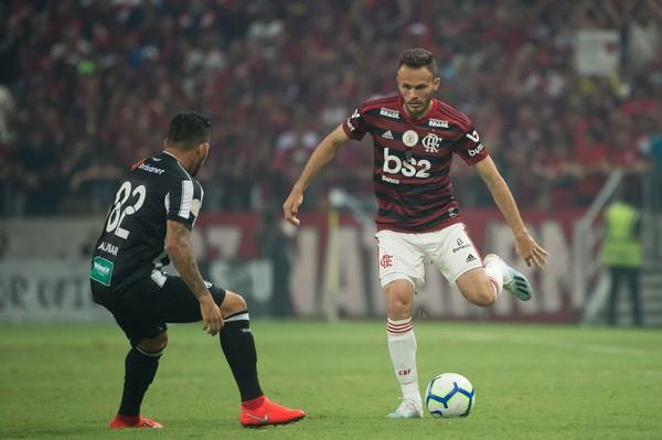 Sem resposta convincente, Sport voltará a procurar Flamengo sobre Renê